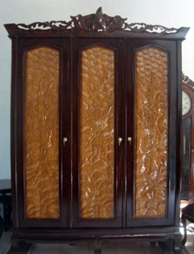 Furniture Murah Indonesia: Almari Relief Burung 3 Pintu