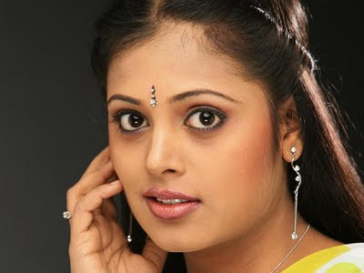 2011 Kamapisachi Wallpapers Actress Picture
