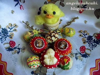 Húsvéti fahéjas almás muffinok, tejszín ízű pudingporral töltve.