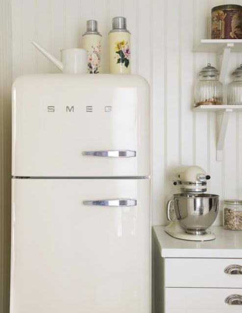 scandinavian home lista marze lod wka smeg. Black Bedroom Furniture Sets. Home Design Ideas