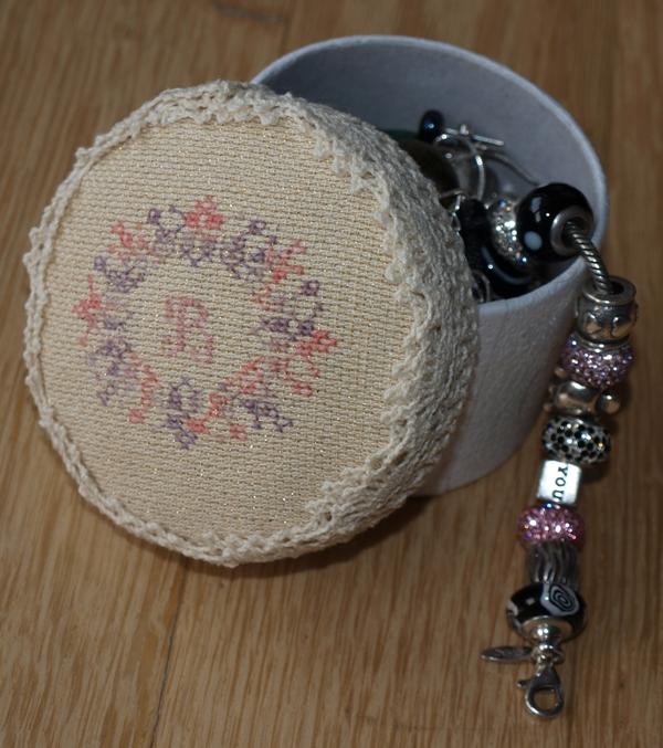 Pudełeczko na biżuterię