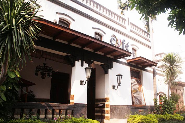 Surabaya: Kado Ulang Tahun