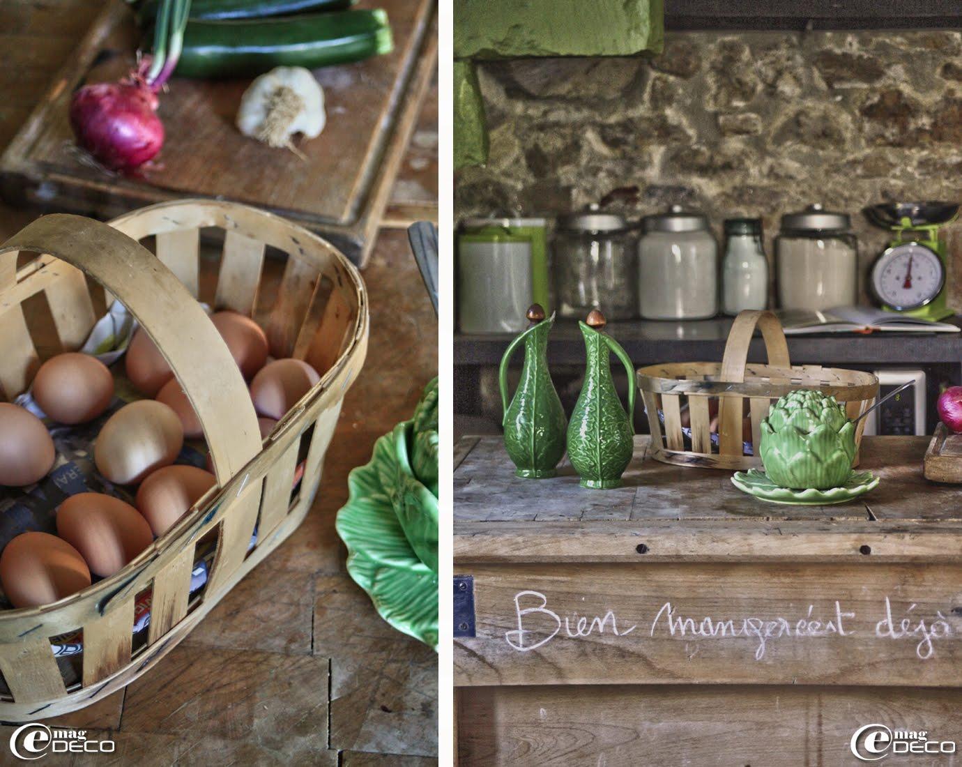 Écriture à la craie sur la traverse d'un billot de cuisine, maison d'hôtes 'Les Nomades Baroques' à Barjac