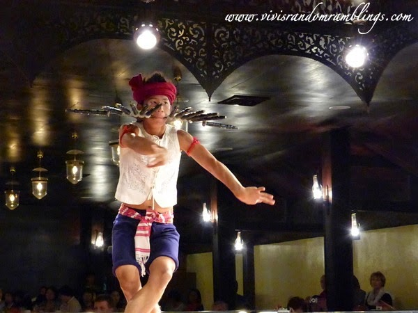 Ram Dab (Thai Sword Dance), Chiang Mai