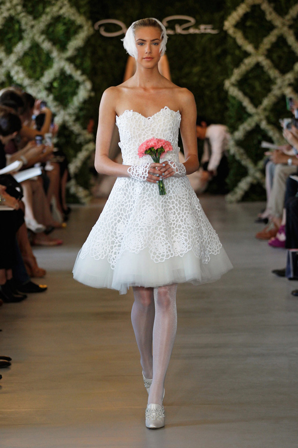 Cheap wedding gowns online blog oscar de la renta 2013 for Oscar de la renta short wedding dress