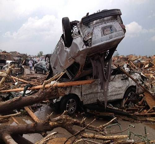 Tornado-cars_damage_oklahoma
