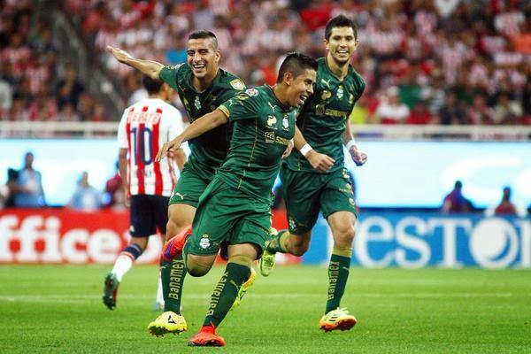 Goal Fenomenal dari Calderon (Santos Laguna)