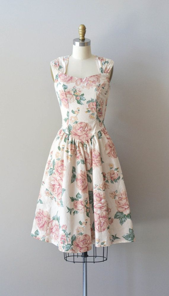 Beautiful Sleeveless Rose Print Dress