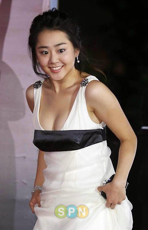 Moon Geun-young photo 002