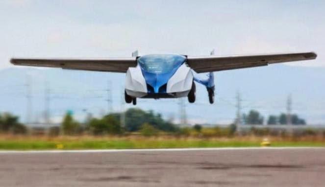 Flying Roadster Mobil Terbang Canggih Buatan Slovakia