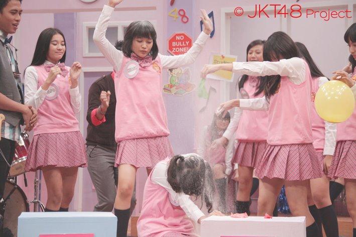 Siapa nih yang kena hukuman di JKT48 School episode 5