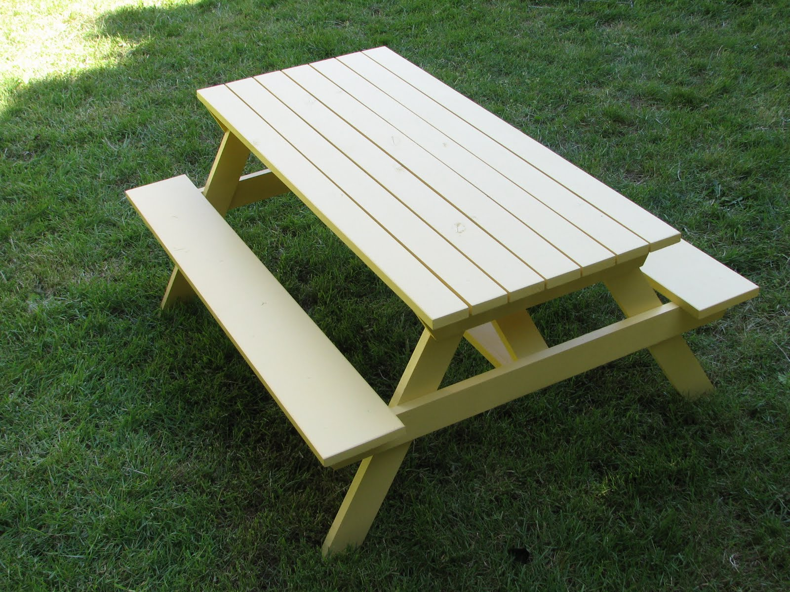 The laundry will wait kids picnic table - Fabriquer une table de picnic en bois ...