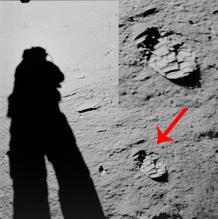 Possível pegada de outro astronauta