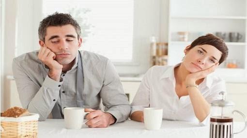 3 أسرار للتخلص من الملل الزوجي - رجل امرأة يكرهان بعضهم بعض - man woman hate each other