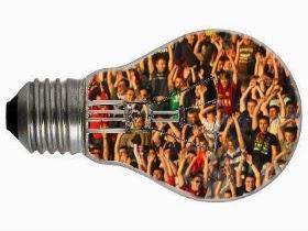 Uma lâmpada de pessoas luminosas