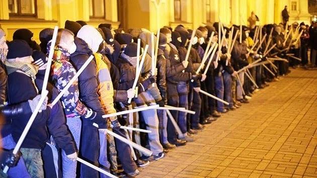la-proxima-guerra-mercenarios-sector-derecho-armados-donetsk-lugansk-ucrania-crimea-rusia