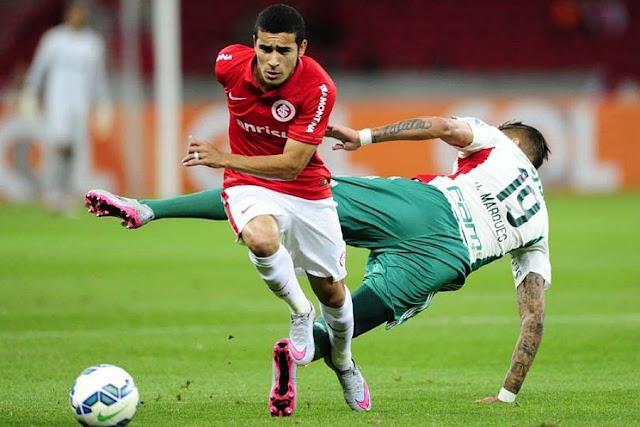 Palmeiras de Rafael Marques pouco acertou nesta noite (Foto: Ricardo Duarte)