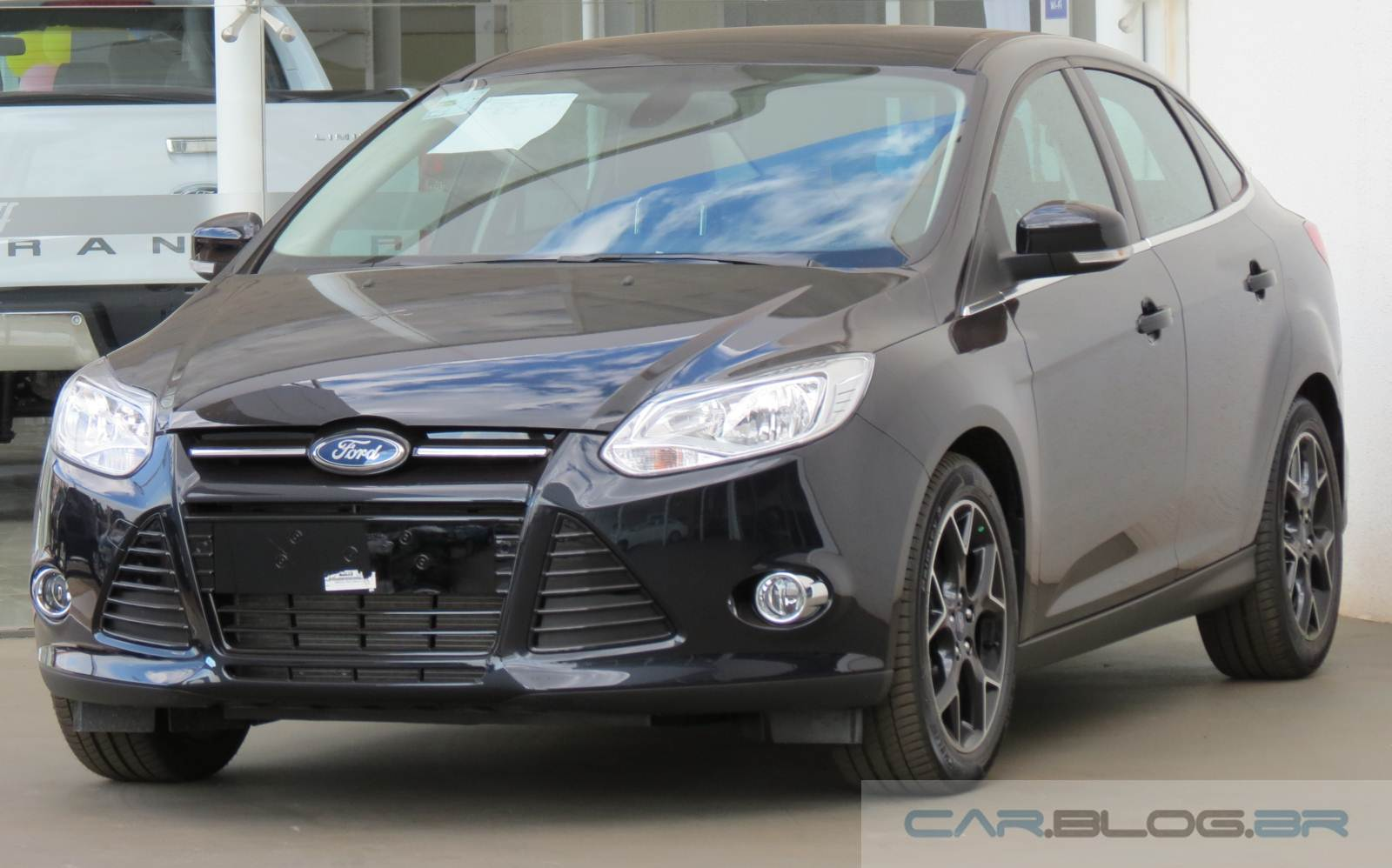 2015 ford focus titanium sedan bing images. Black Bedroom Furniture Sets. Home Design Ideas