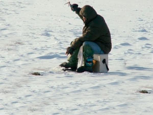 Как сделать рыболовный зимний ящик