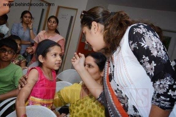 Actress Jyothika And Daughter Diya Latest Cute Photos