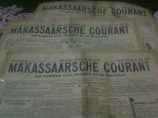 Koran tua pada tahun 1938 di Makassar yang menggunakan bahasa Belanda.