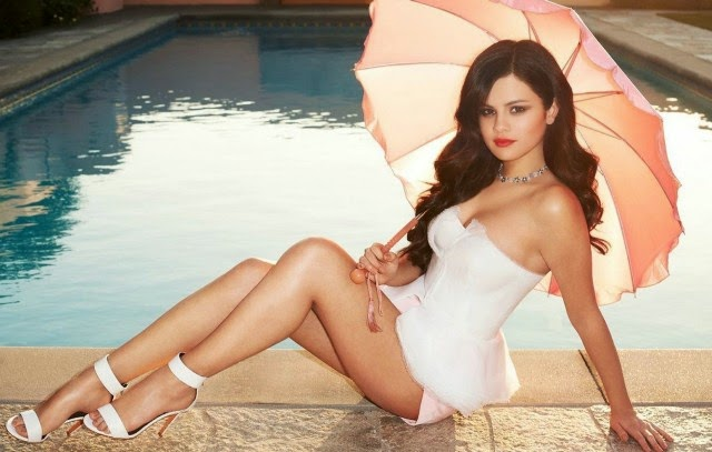 Selena Gomez legs Wallpaper, Selena Gomez legs photos, Selena Gomez legs pictures, Selena gomez photos free download
