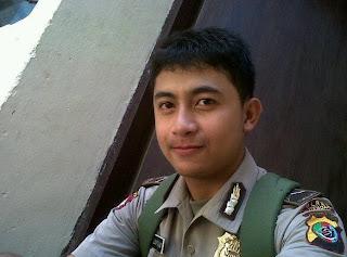 Kontol-polisi-gay
