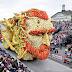O Festival Anual Corso Zundert Parade Anual homenageia Van Gogh com carros monumentais decorados com flores