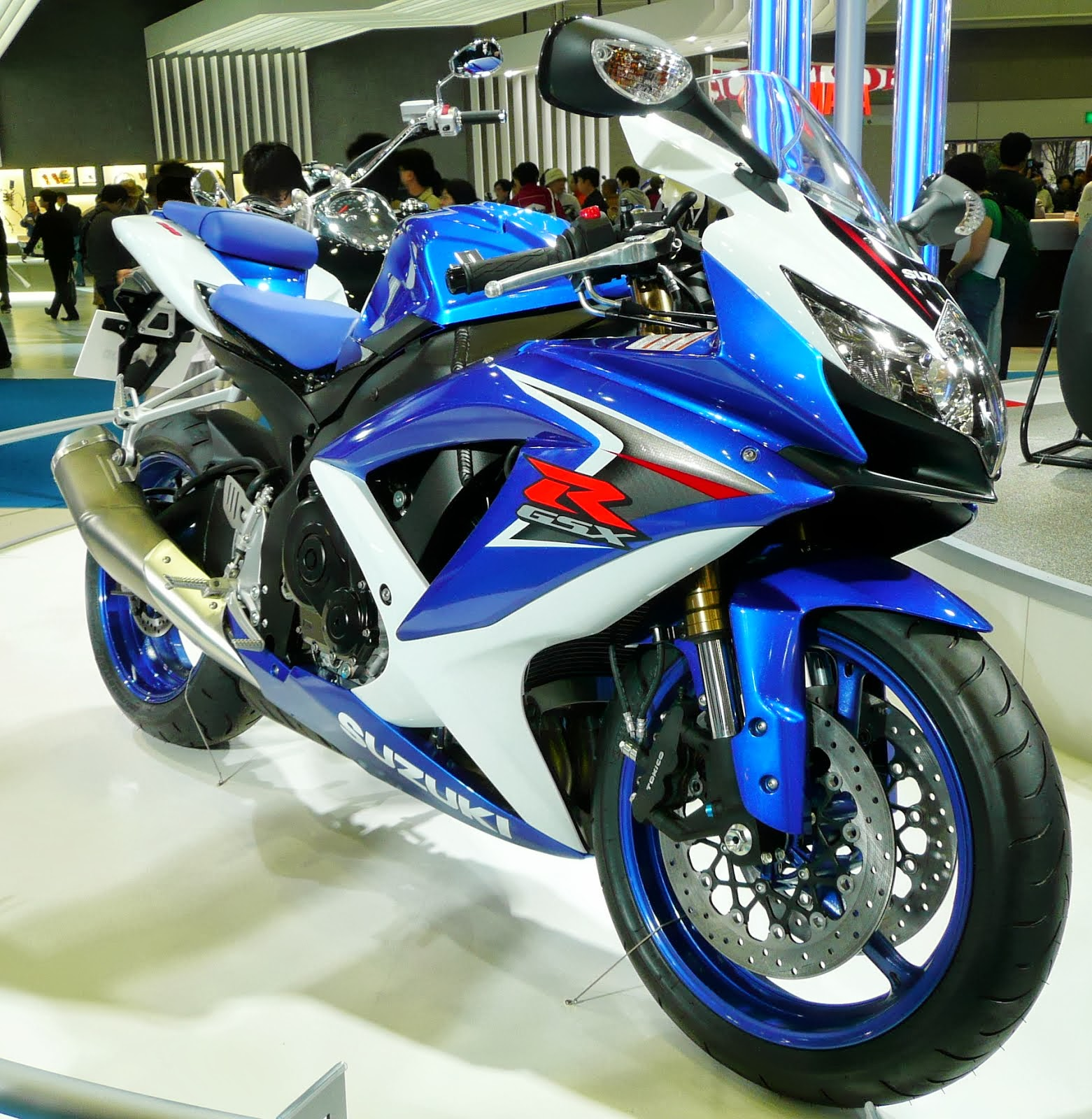Gsx R 1000 L2 Daten | File Suzuki Gsx And Kawasaki Ninja Flickr Exfordy