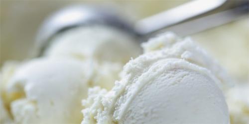receta Helado de Yogurt con Salsa de Piña