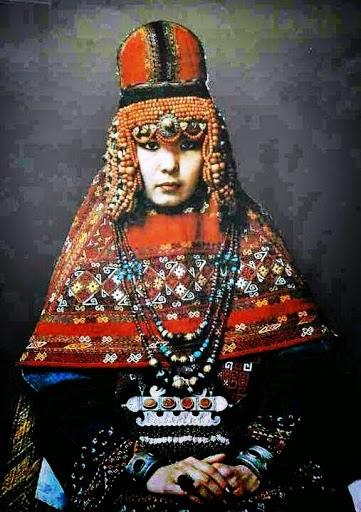 Туркменская принцесса в древнем национальном наряде, Старополье, Россия