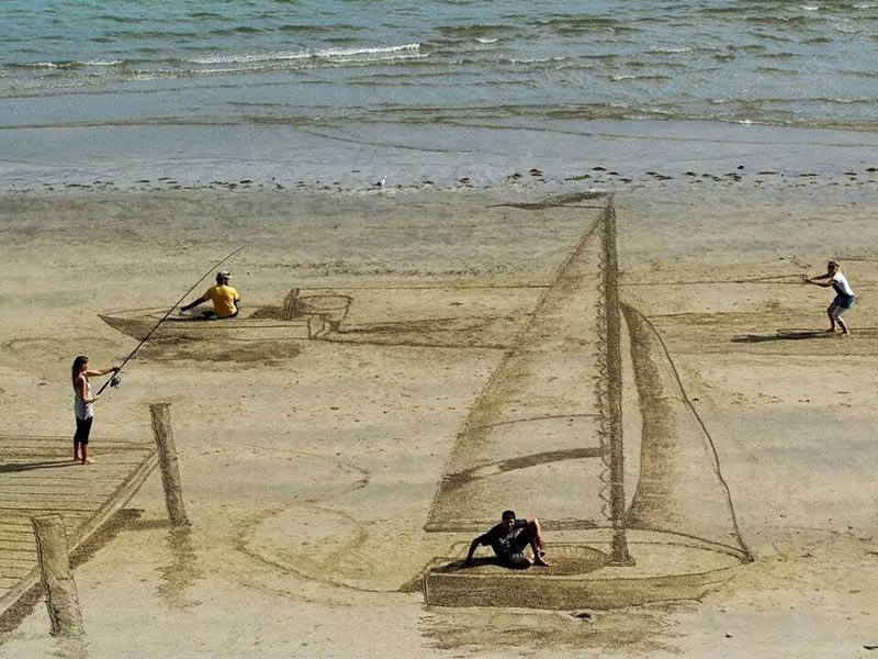 THE AWESOME 3D BEACH ART