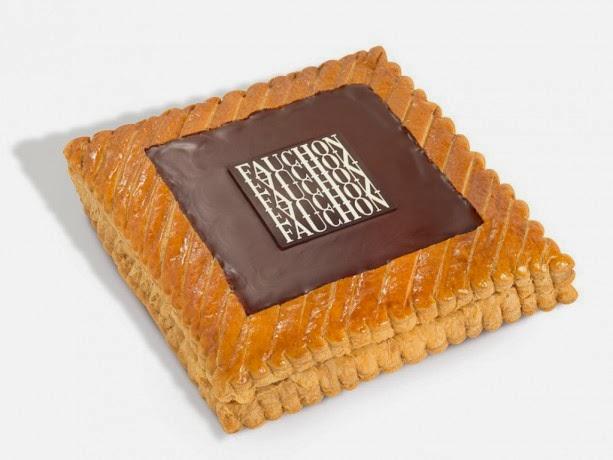 Galette Fauchon : garniture ganache chocolat-noisette, recouverte d'un biscuit au chocolat.