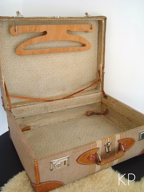 Comprar maleta antigua abierta