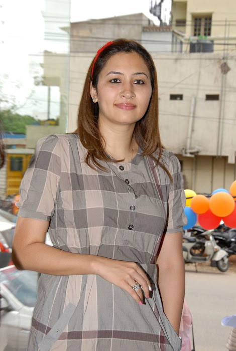 jwala gutta in public event actress pics