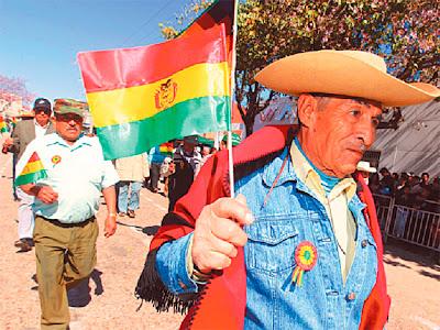La provincia Gran Chaco de Tarija cumple 137 años. Ayer hubo acto cívico y desfile en la ciudad de Yacuiba. Para hoy se anuncia la entrega del Estatuto Autonómico en la ciudad de Villa Montes.