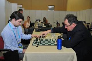 Échecs à Istanbul : Maxime Vachier Lagrave analyse sa partie nulle ronde 7 face à Gelfand © site officiel