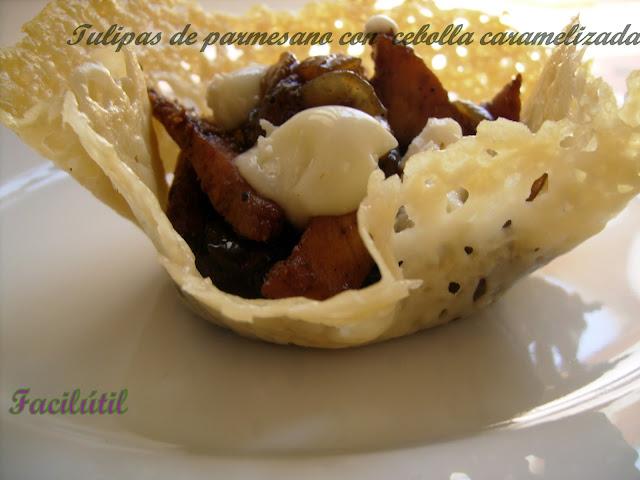tulipas-de-parmesano-con-cebolla-caramelizada