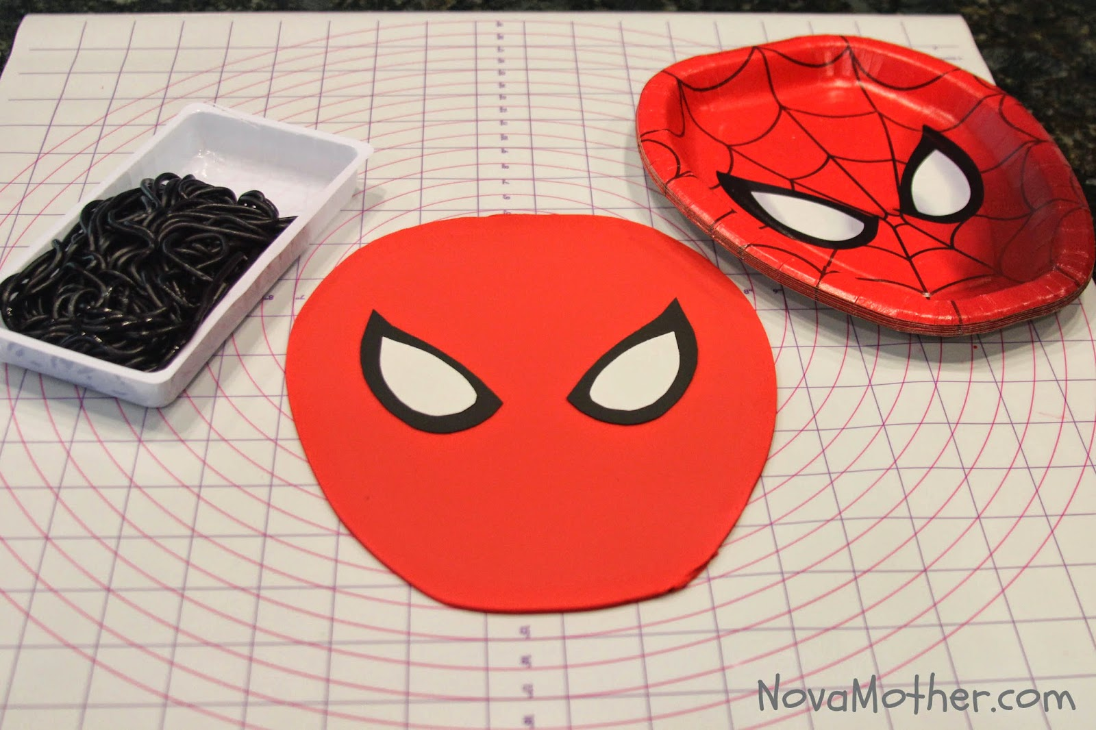 how to make spiderman cake