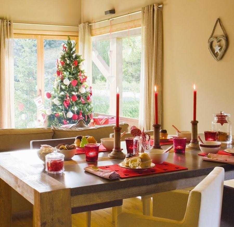 wnętrza, wystrój wnętrz, home decor, dekoracje świąteczne, christmas decor, Boże Narodzenie, Święta, choinka, dom, mieszkanie, domek w górach, salon, jadalnia, stół