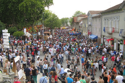 Crowds at Feira's medieval fair