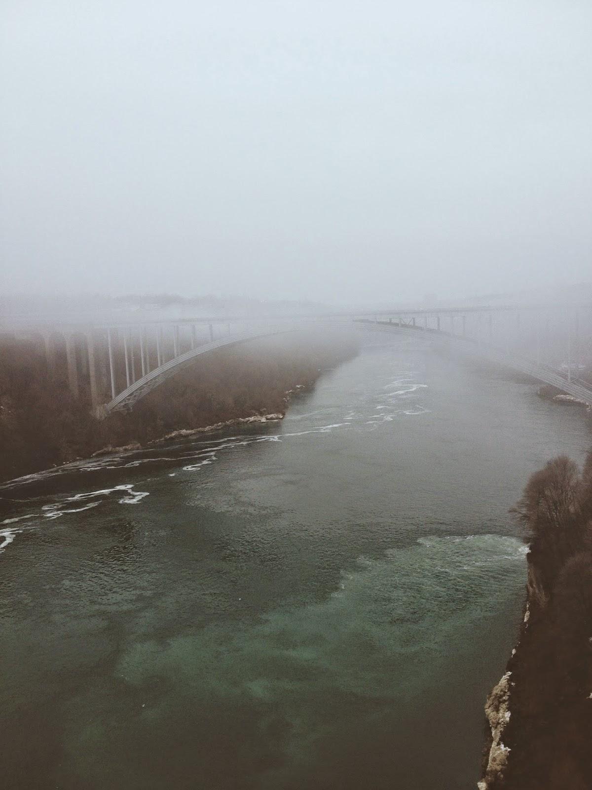 bridge to Canada ta Niagara Falls