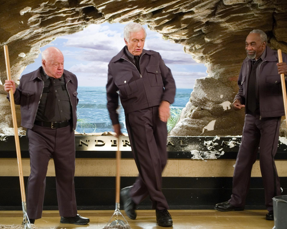 http://2.bp.blogspot.com/-BBErHuX_Q4s/UcaBMk87jmI/AAAAAAAAXL8/GML3xIiOObA/s1600/night-at-the-museum-2006--mickey-rooney-dick-van-dyke-and-bill-cobbs.jpg