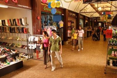 Chia sẻ bí quyết mua sắm khi đi tour du lịch malaysia giá rẻ cho du khách
