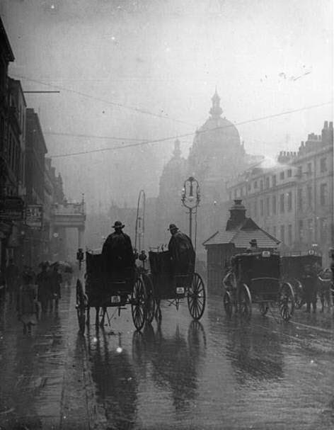 Día lluvioso en Londres en 1903
