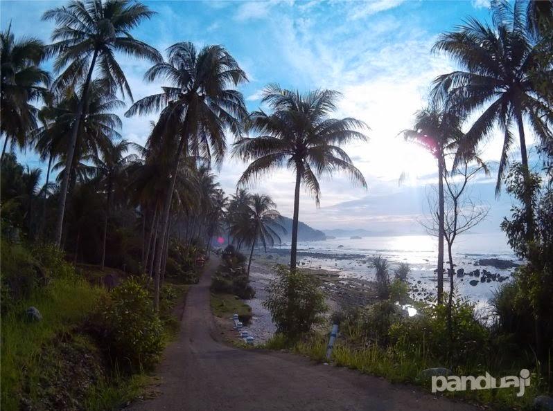pantai pidakan di pagi hari