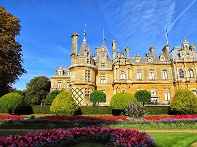 Britain, UK, England, Waddesdon Manor, architecture, autumn, Baron Ferdinand de Rothschild, National Trust, visit, day trip, flowers, statue