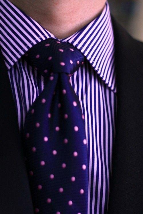 если какой галстук подойдет к фиолетовой рубашке игры