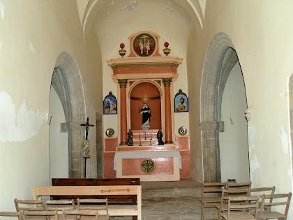 Interior de l'església de Sant Cugat de Gavadons