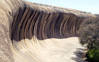 Fascinating sights Wave Rock Hyden, Western Australia